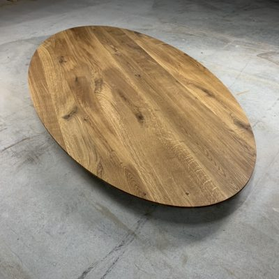 Ovale Tischplatte
