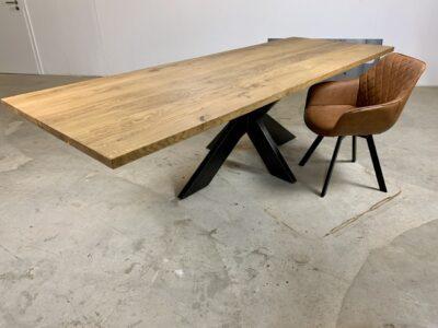 Esstisch Industrial massive Eiche Mittelfuß Tischgestell Alexa