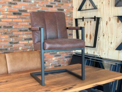 Büffelleder Freischwinger Stuhl