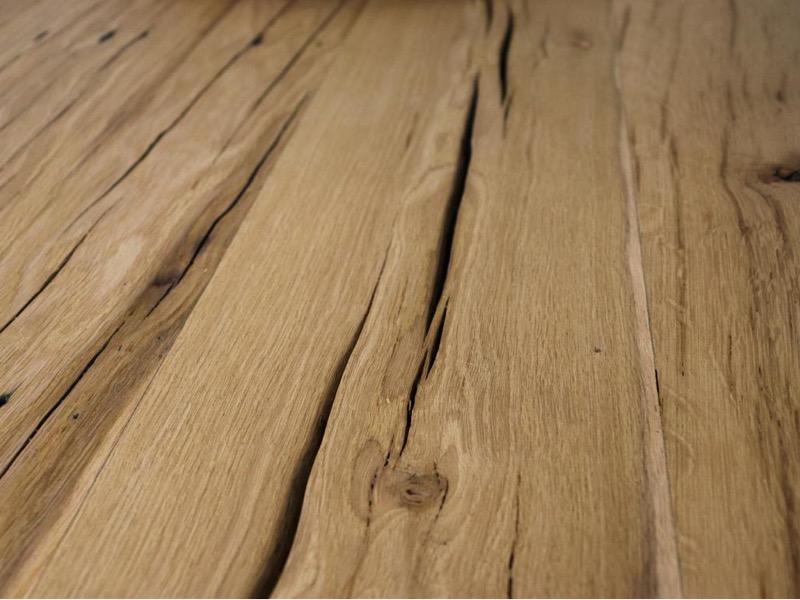 Ausgearbeitete Risse altholz