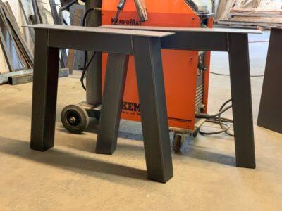 Metall Tischgestell Novo nach Maß