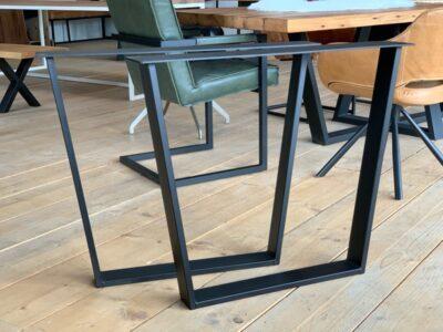 Stahlkufen Tischgestell Kera nach Maß