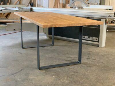 Holztisch Eiche Metallkufen